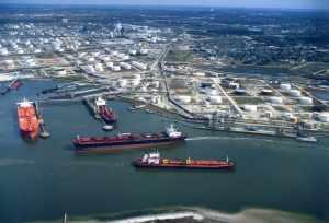 satoil big cargo ships at port GAS OIL D2 L 0.2 62 GOST 305 82  SPOT