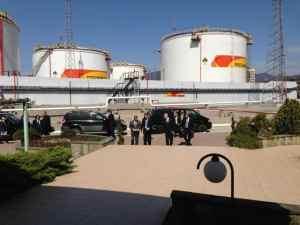 TUAPSINSKIY NPZ Владимир Путин дал торжественный пуск уникальной установке первичной переработки нефти на Туапсинском НПЗ.