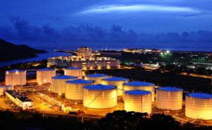 oil storage tanks RUSSIAN EXPORT BLEND CRUDE OIL