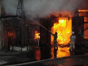 POZHAR NA NPZ ATYIRAU Пожар на Атырауском НПЗ на объемы переработки нефти не повлияет.